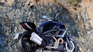 007_2011_ducati_diavel_cd_gallery